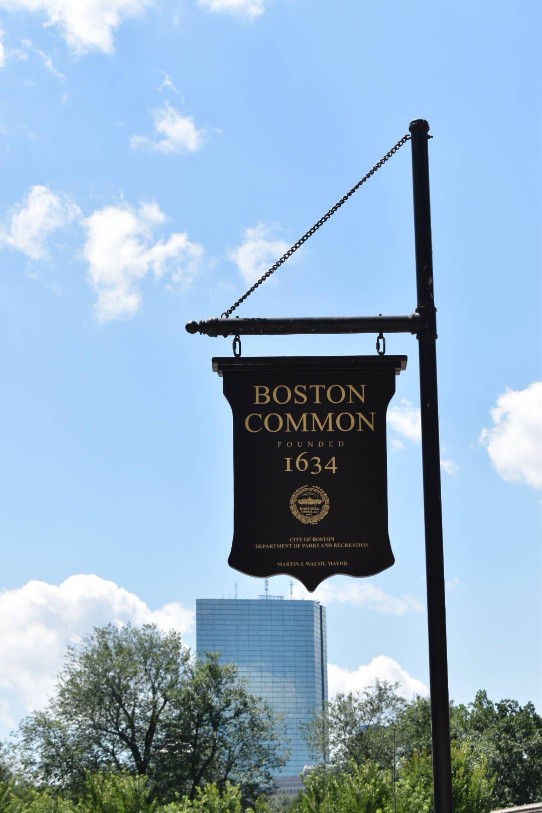 Boston_MA_Vert