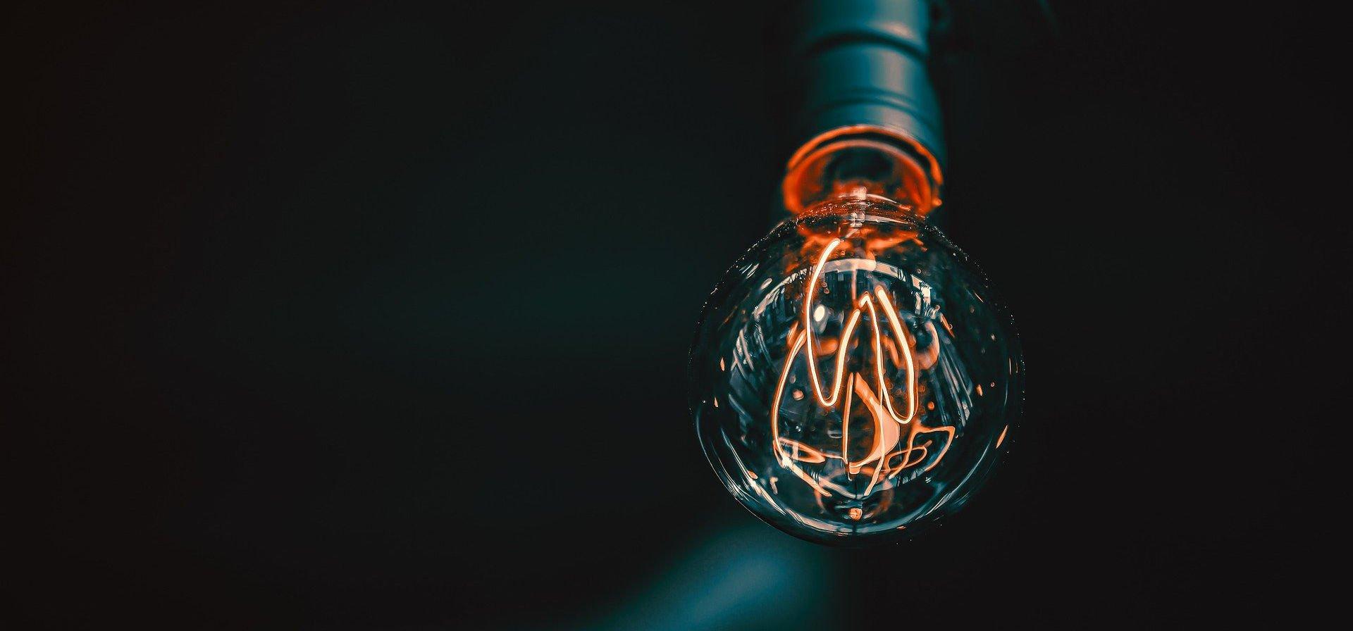IT_Solutions_bulb-5258341_1920